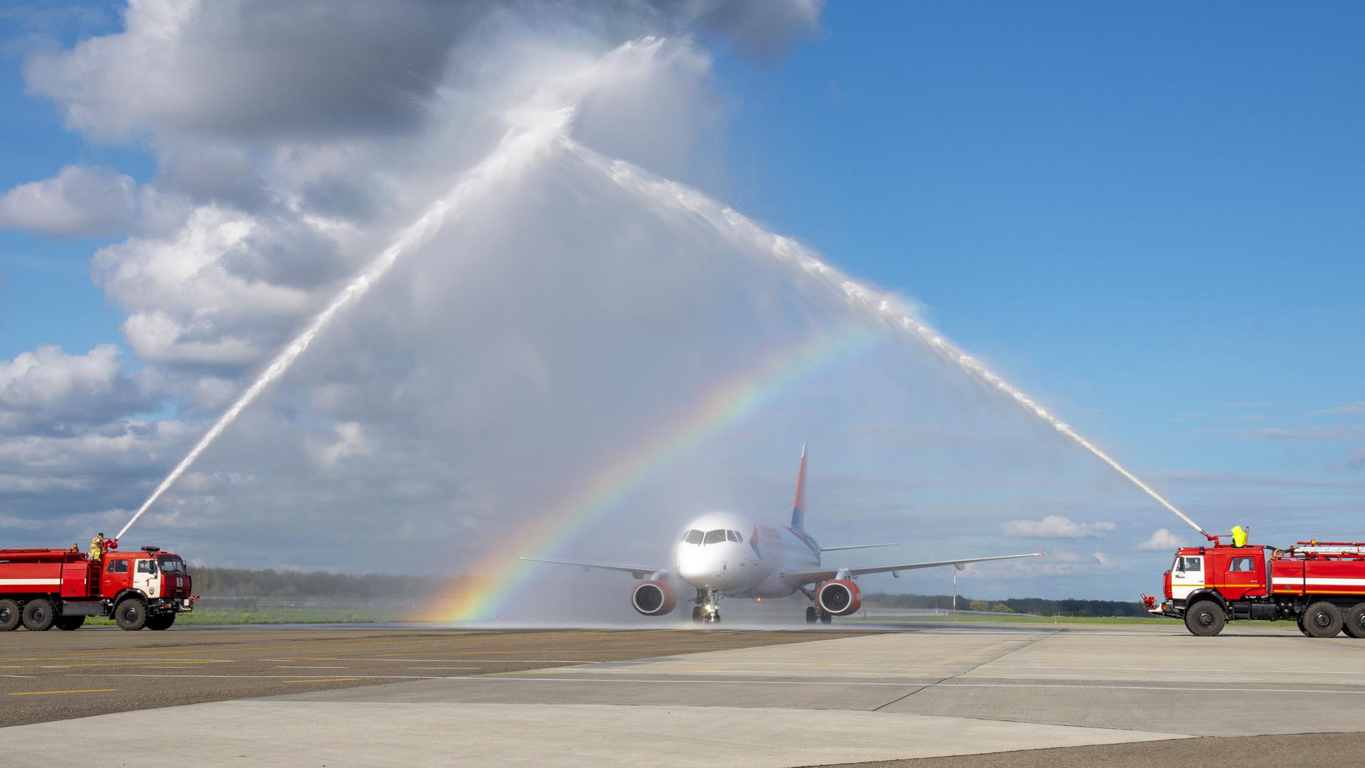 Асгард, авиакомпания Азимут, M-1 Global, ливрея самолета, авиабрендинг, авиадизайн, брендинг авиакомпании, суперджет 100