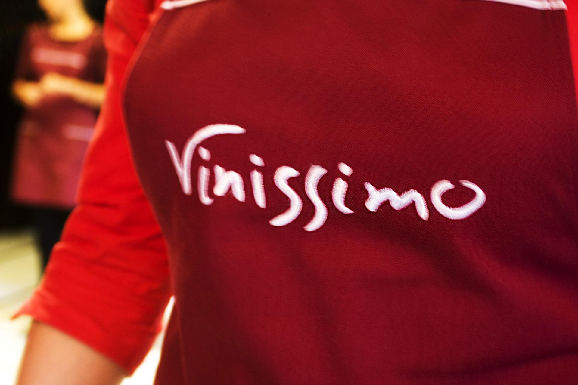 Asgard Branding, Vinissimo, corporate identity, branding, wine, logo, design, Staff uniform design